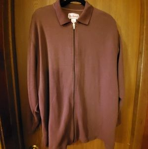 Plus size brown jacket with zipper.